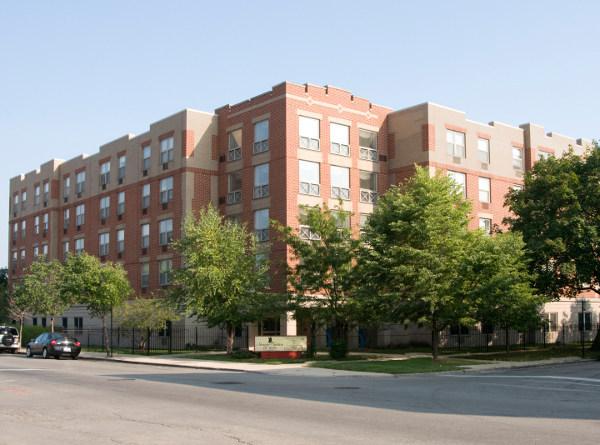 Senior Suites of Austin - Chicago, IL - Exterior