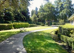 Somerford Place of Stockton, CA - Landscaped Grounds