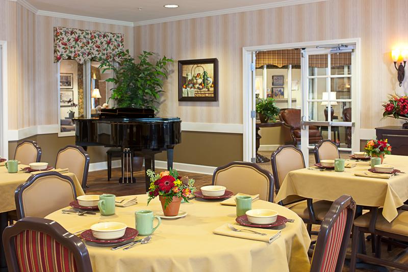 ... Spring Creek Inn Memory Care Community   Bozeman, MT   Dining Room