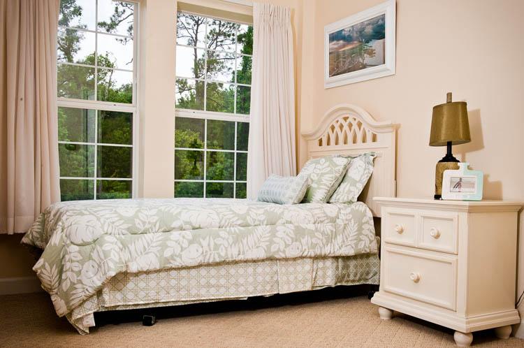 Spring Hills Hunters Creek - Orlando, FL - Apartment Bedroom