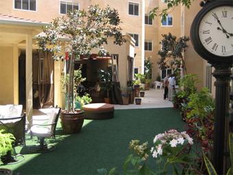 Stellar Care - San Diego, CA - Courtyard