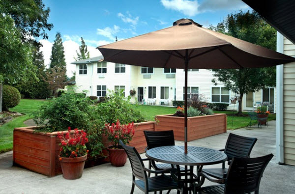 Summerplace Assisted Living Community - Portland, OR - Courtyard
