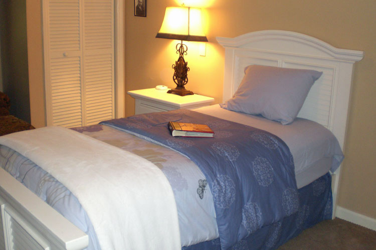 Tallahassee Memory Care - Tallahassee, FL - Bedroom