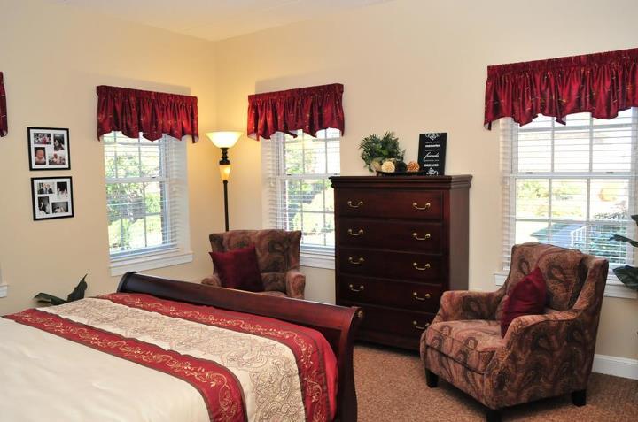 The Ballentine - Norfolk, VA - Apartment Bedroom