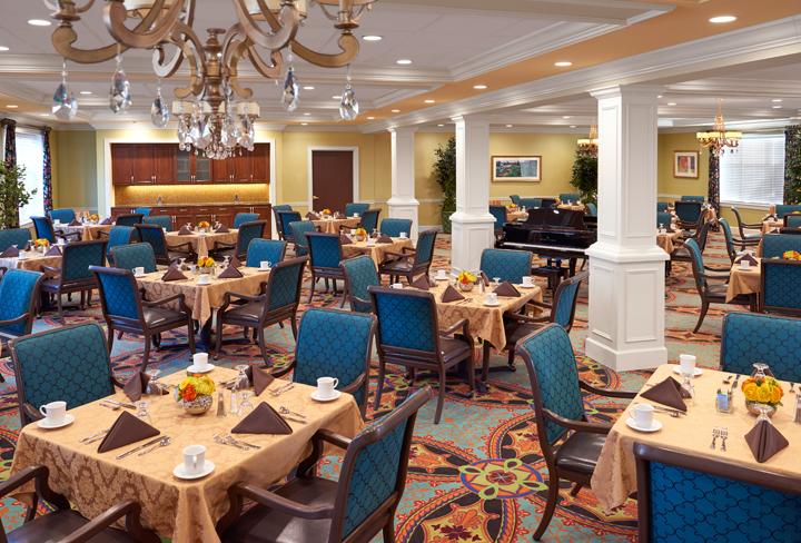 The Bristal at Lake Grove, NY - Dining Room