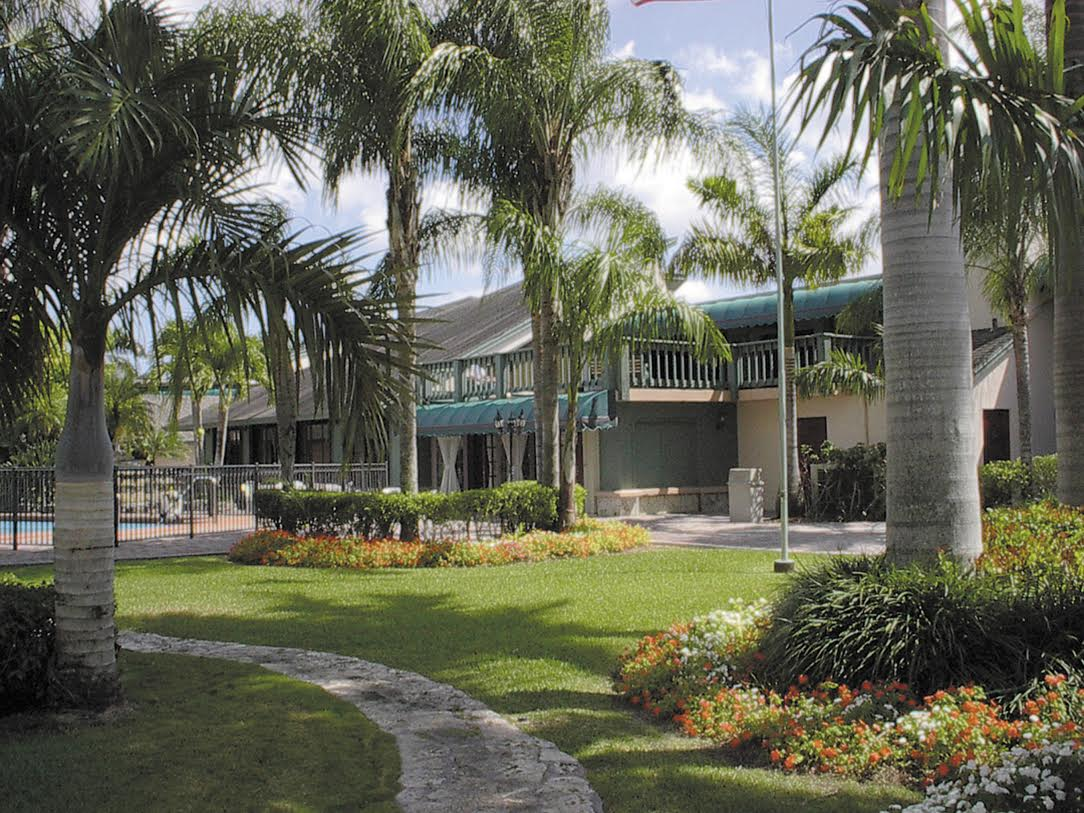 The Palace Gardens - Homestead, FL - Exterior