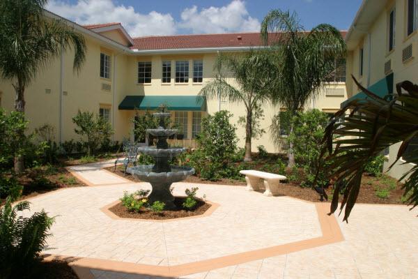 The Windsor at Ortega - Jacksonville, FL - Courtyard