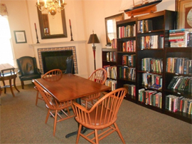 The Hearth at Gardenside - Branford, CT - Library