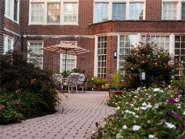 The Lorelton - Wilmington, DE - Courtyard