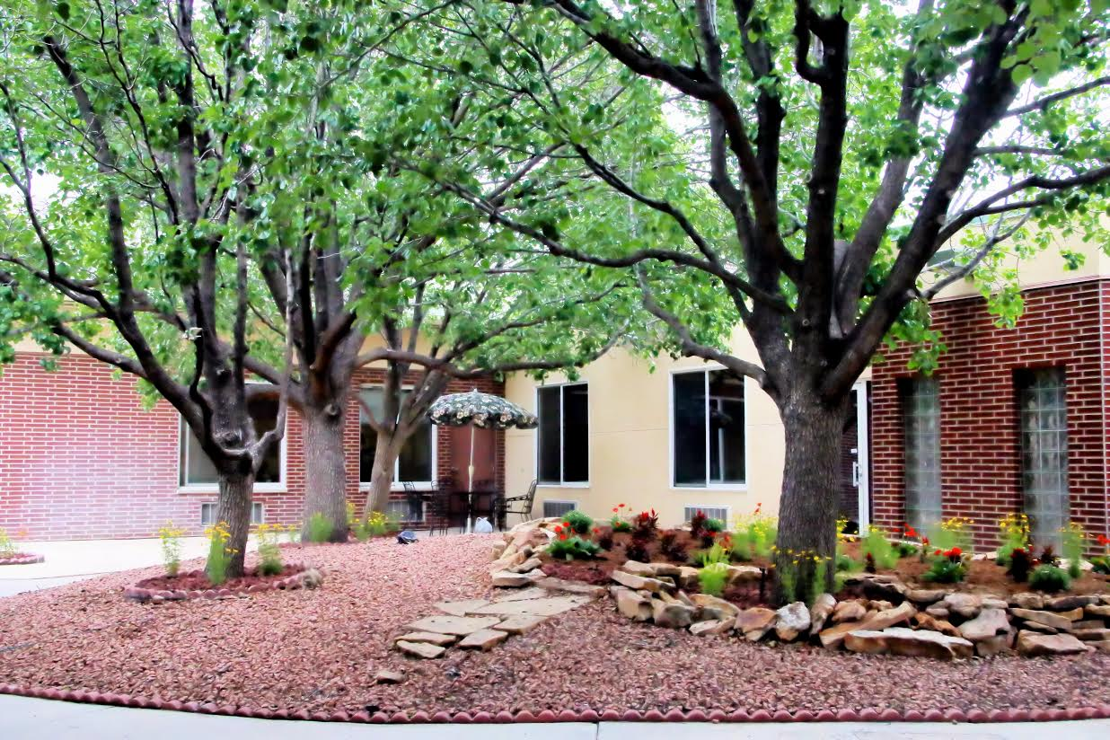 Villa Pueblo Senior Living Community, CO - Courtyard
