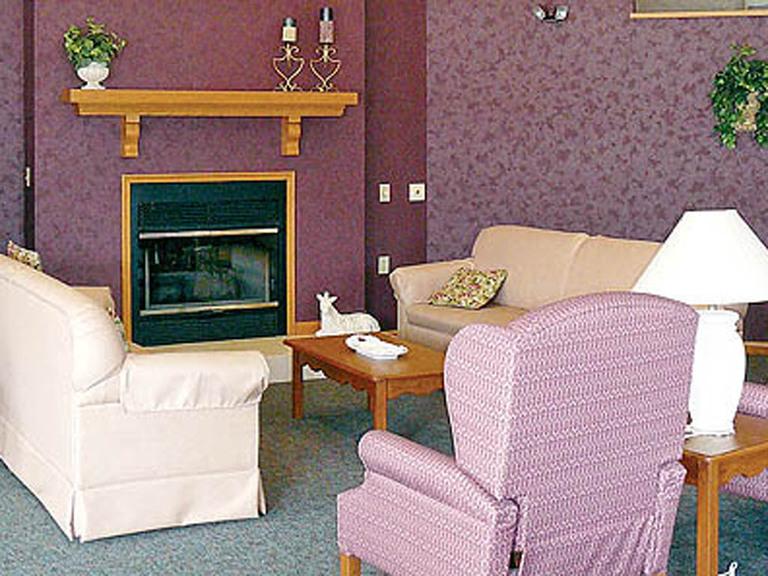 Vintage Knolls - Danville, PA - Fireplace Lounge