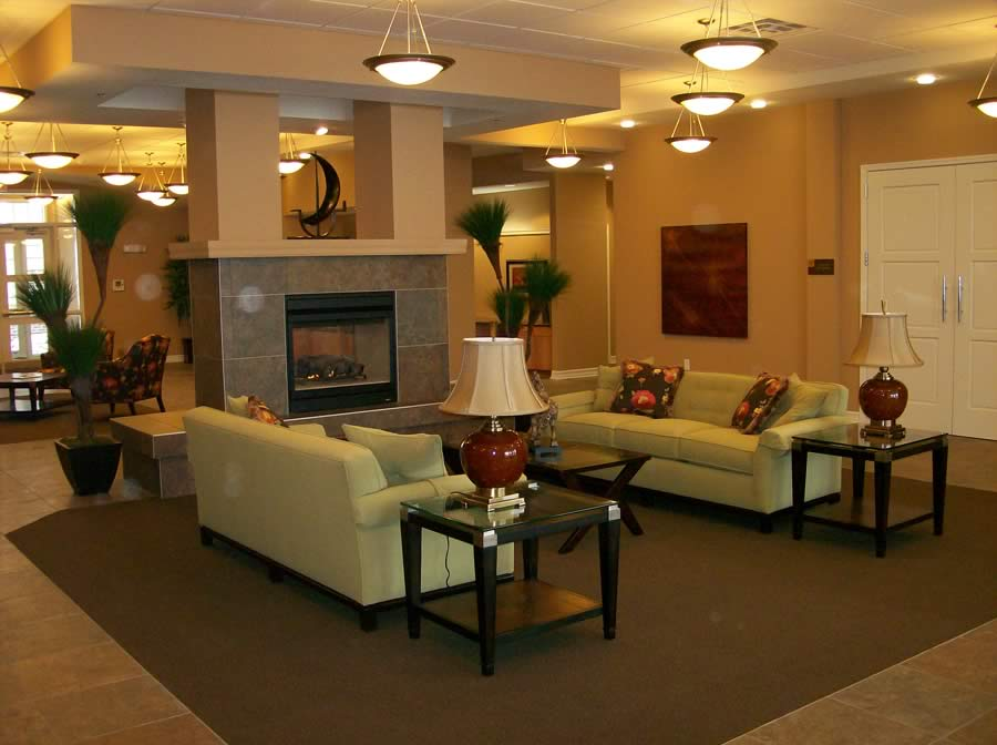 Whispering Creek - Sioux City, IA - Fireplace Lounge