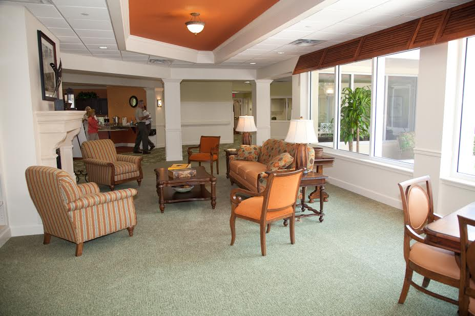 Windsor Reflections Memory Care - Lakewood Ranch, FL - Living Room