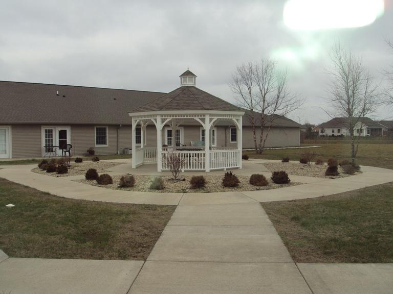 Wyndcrest Assisted Living - Rochester, IL - Gazebo