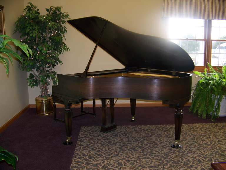 Wyndcrest Assisted Living - Rochester, IL - Piano Lounge